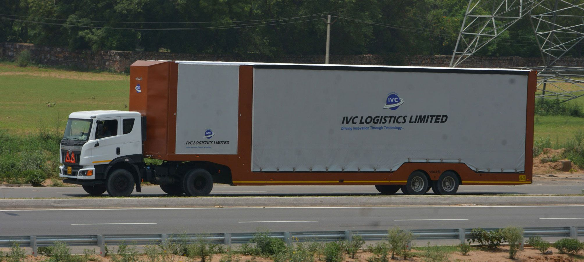 State of the Art Lohr make Curtain Carrier Trailers